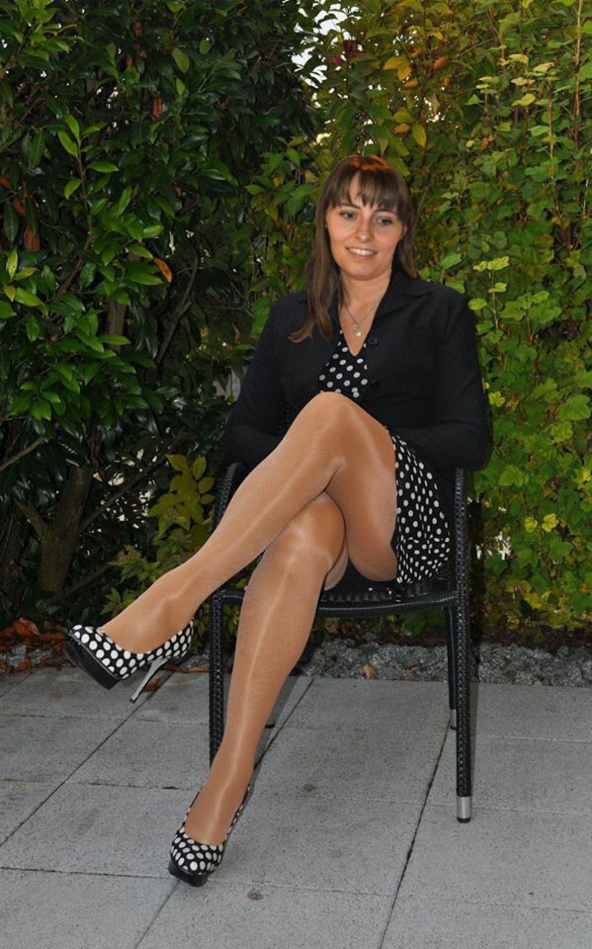 sexy nylons | leggs❤ | pinterest | longest legs and legs