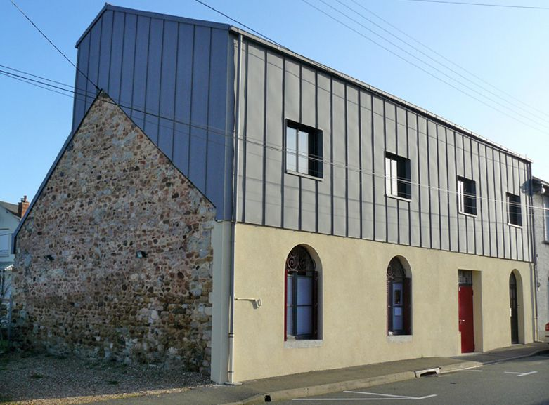 Zinc cladding google search single lock standing seam facades bardage - Habillage facade maison ...