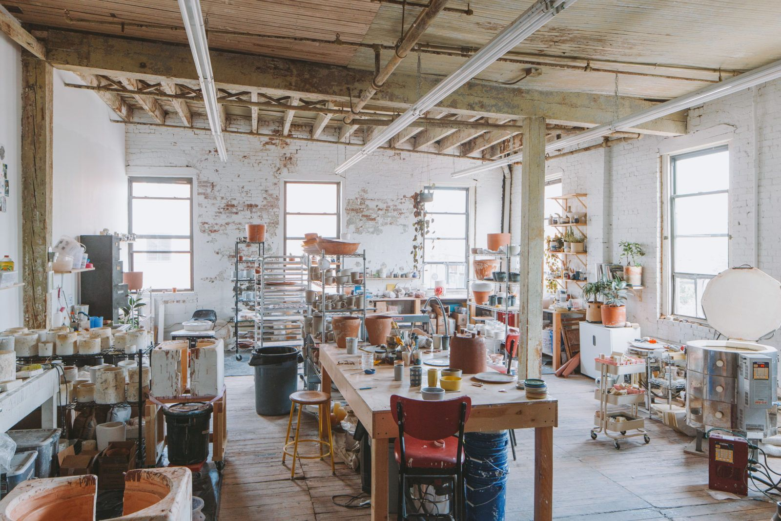 How to enhance your interior design with pottery pottery