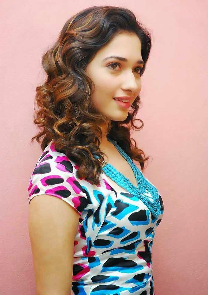 Hottest Hd Actress Tamanna Bhatia Free Images Wallpapers Tamannaah Hd Wallpapers Download Most Beautiful Faces Pretty Girls Selfies Indian Actress Photos