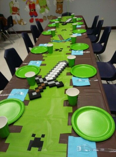 Minecraft easy table decor kid bday pinterest for Glace decoration