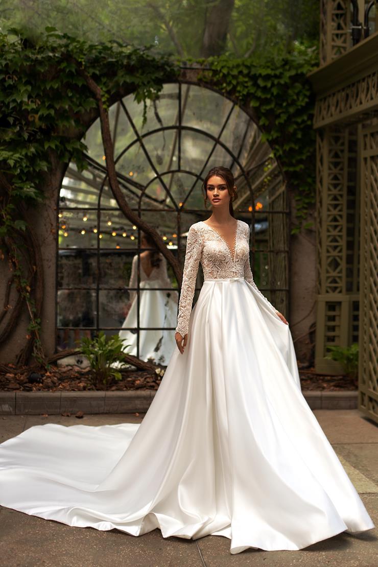 Giovanna Alessandro Bridal Dresses I Do Wedding Dresses Photography Minimalist Wedding Dresses Wedding Dresses Wedding Dress Photography [ 1110 x 740 Pixel ]