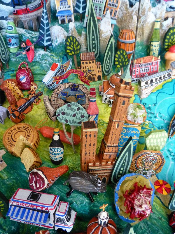 Sara Drake Lombardy Venezia Illustrated maps Italy and Map