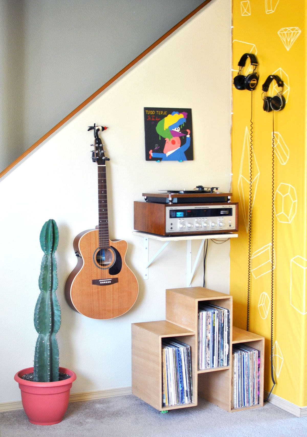 Record Player Station Inspiration For Small Spaces At Home Small