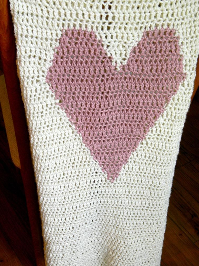 Queen of Hearts blanket - monogram heart afghan | Craftsy  FREE PATTERN