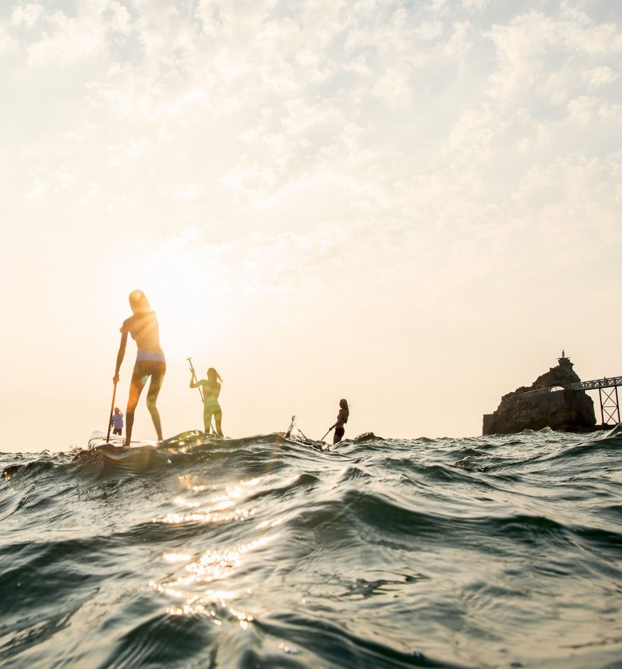 Sunset #SUP session at the #ROXYPro with our #ROXYOutdoorFitness gear. Get inspired & click the pic for more...
