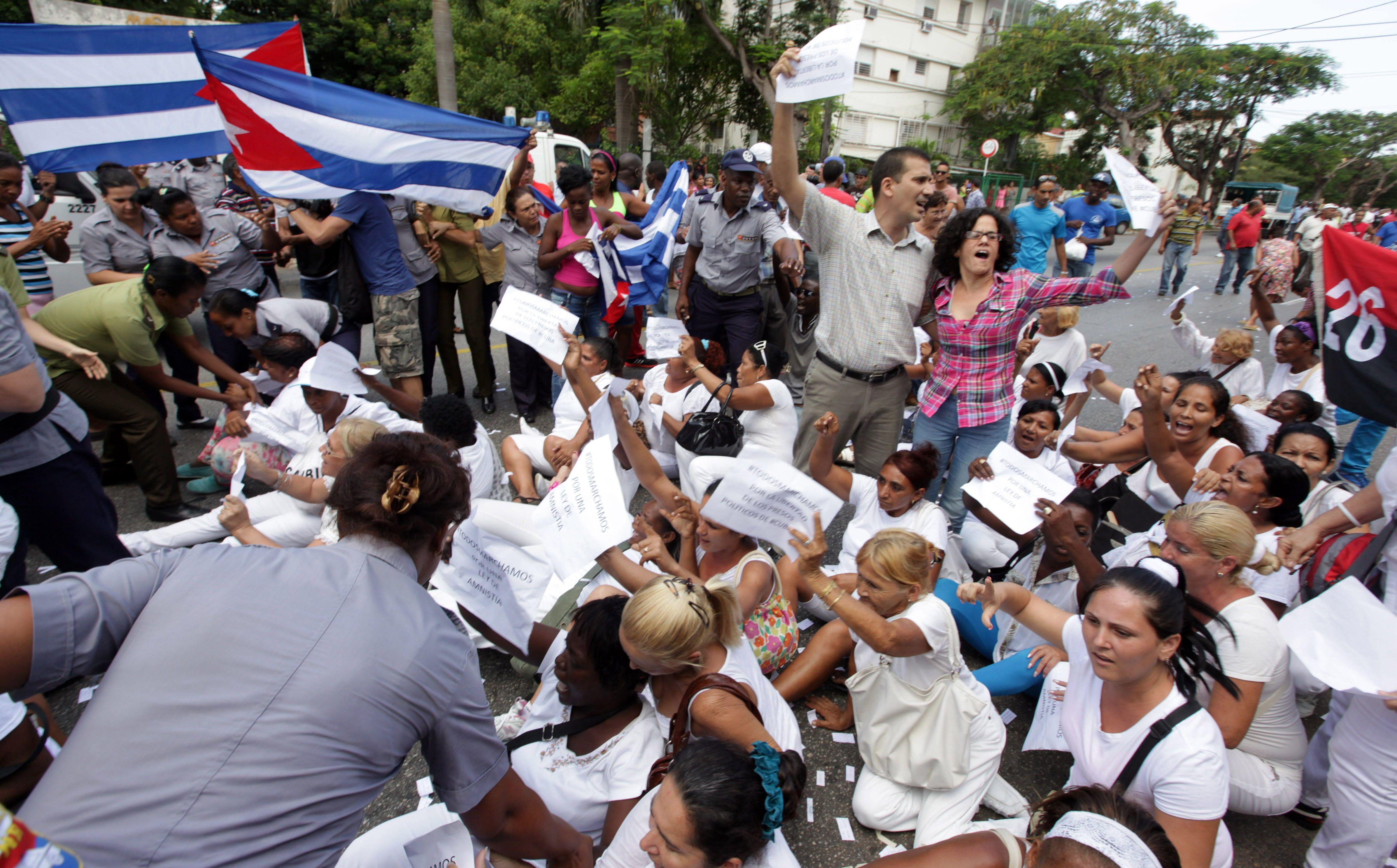 Número de arrestos por motivos políticos en Cuba se disparó a 900