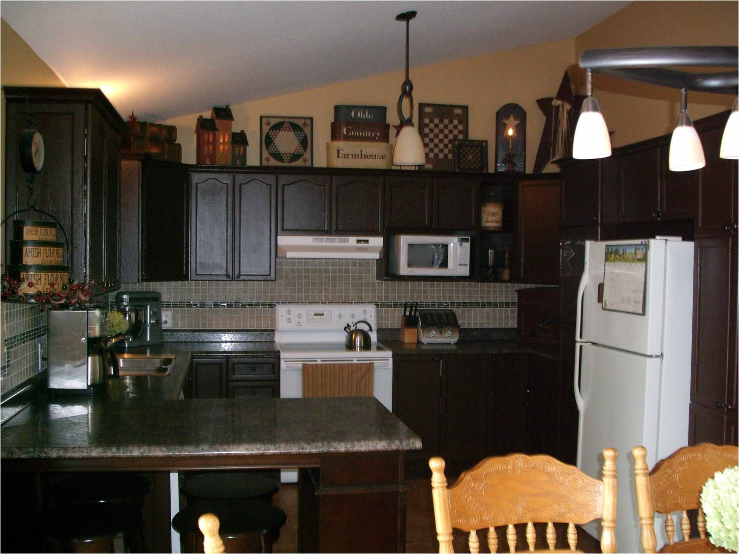 Kitchen : Primitive Decorating Ideas For Kitchen Country Decorating  Magazinesu201a Primitive Fall Decoru201a Primitive Kitchen Cabinets Along With  Kitchens