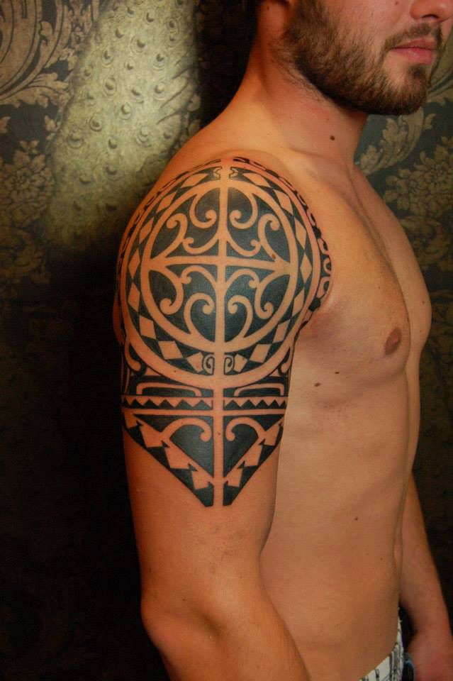 Maori Shoulder Tattoo Meanings: Polynesian (New Zealand) Over Arm & Shoulder Tattoo