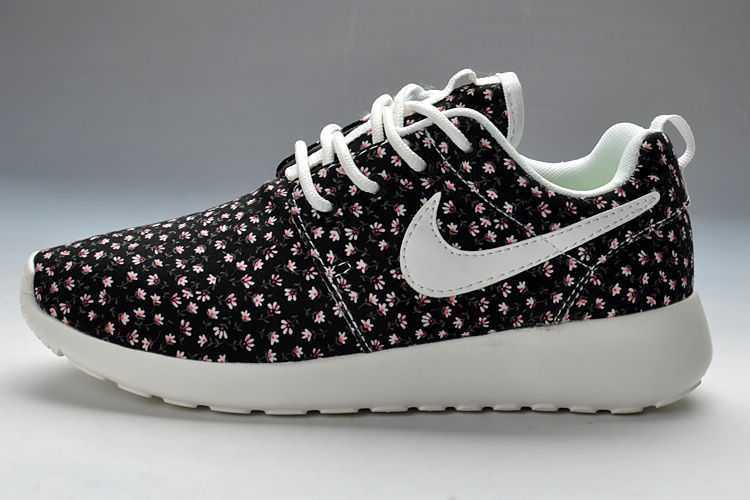 womens nike roshe runs black and white flowers