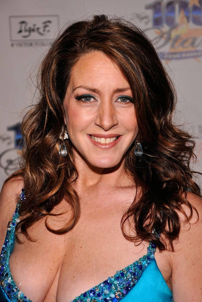 Joely fisher cleavage
