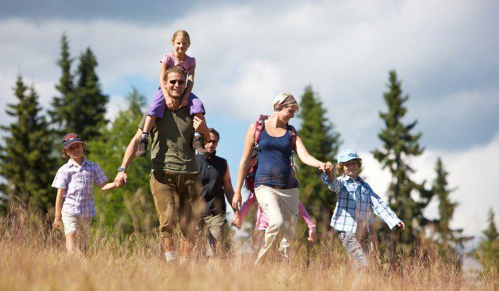 Familienurlaub mit Almsee, Reiten, Spielplatz - Hotel Mountain Resort Feuerberg