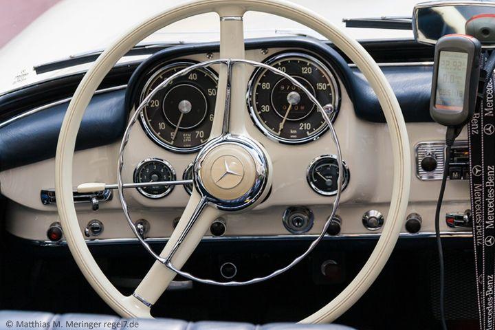 1961 Mercedes Benz #190SL dashboard. Found on: http://regel7.de ... | {Armaturenbrett mercedes 40}