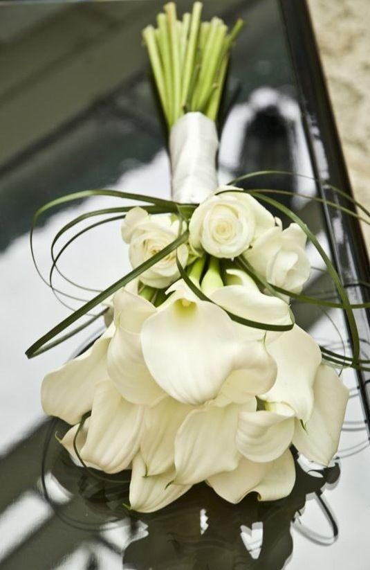 Bouquet Sposa Rose E Calle.Il Bouquet Di Calle E Rose Bianche Mi Sposo E Non Mi