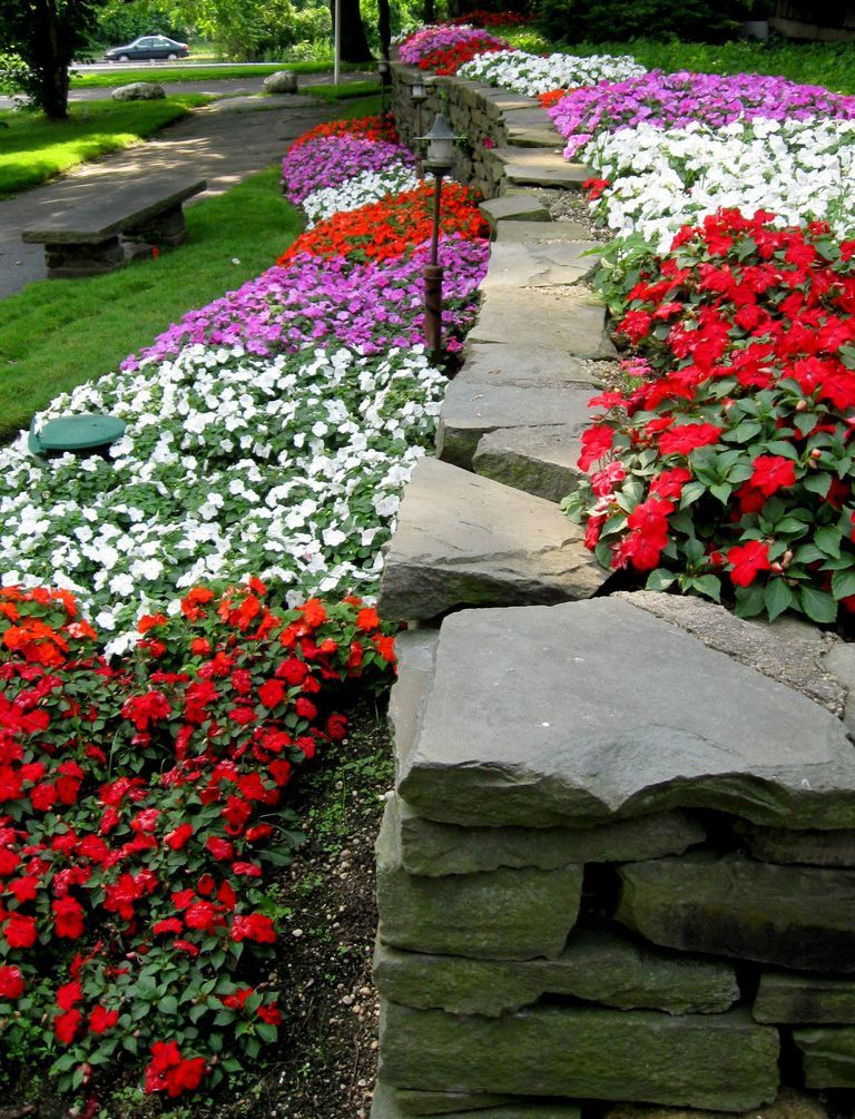 how to make a flower bed where there is grass