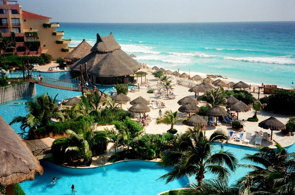 Kids stay and eat free at 2 Fiesta Americana properties in Mexico. This picture is of Fiesta Americana Condesa Cancun.