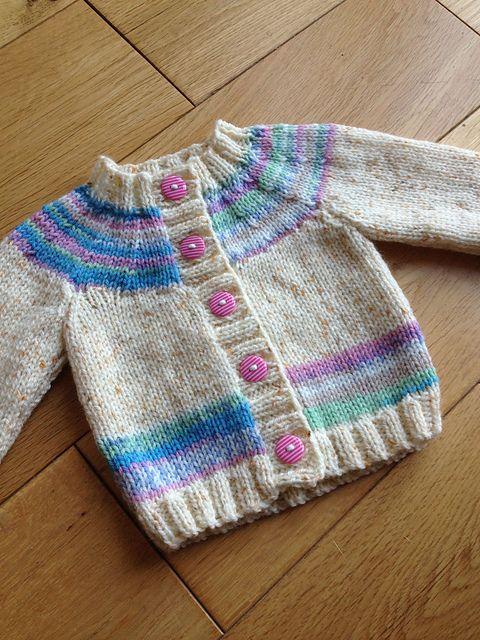 Ravelry: Cardigan pattern by Sirdar Spinning Ltd.   Dos agujas sacos ...