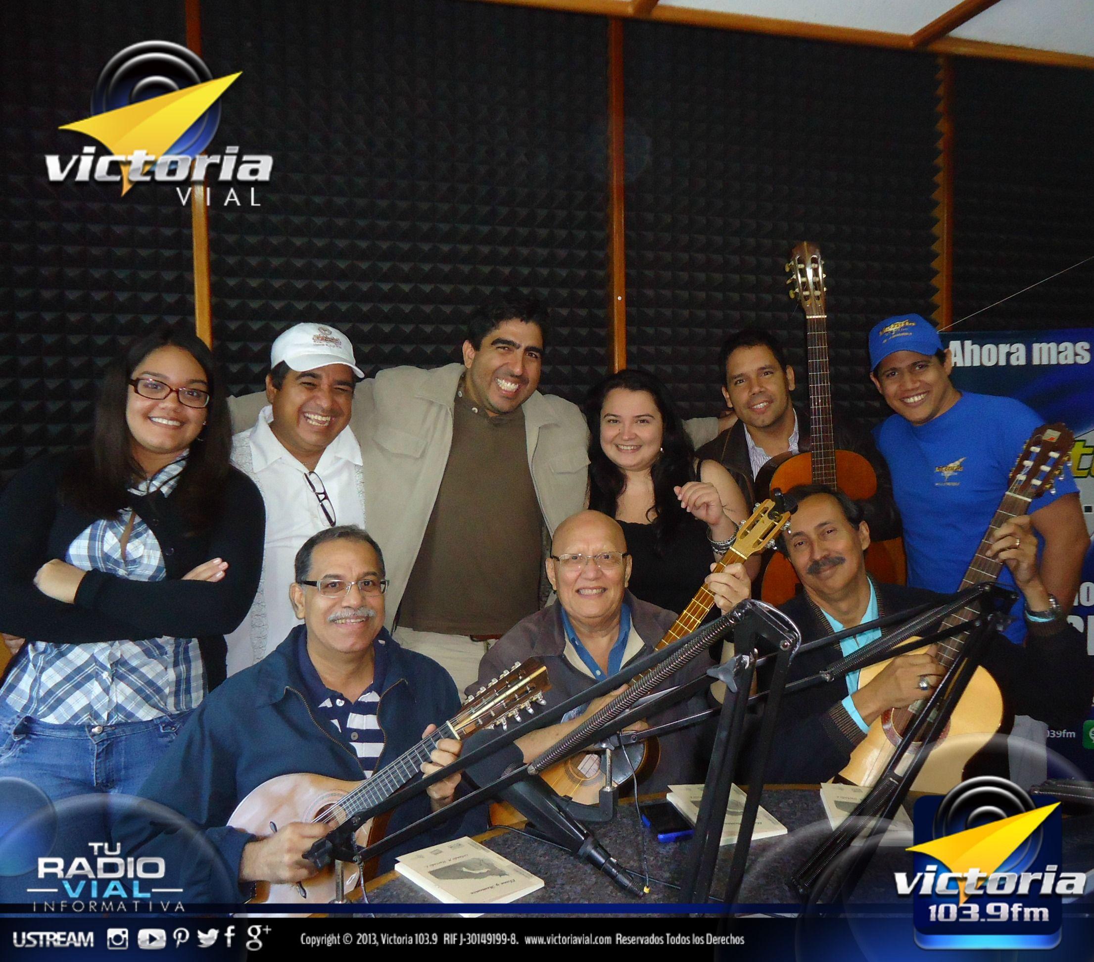 Hoy en los estudios de #VictoriaFM estuvo el Grupo #Cumaragua, durante el programa #LaTertulia, en el que estuvieron rindiéndole un homenaje a la ciudad de #Caracas por sus 447 años de fundada.
