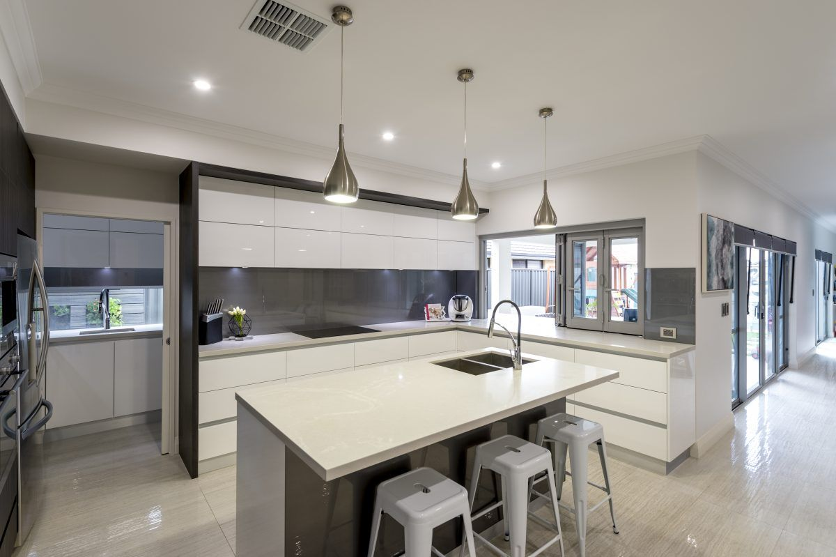 Building Your Dream Kitchen: Award Winning Home With Open Plan Kitchen. Island Bench