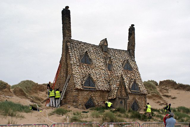 Shell Cottage From The Eighth Harry Potter Film I Love How It S Design Makes It Look Like It Could Be A Normal Filming Locations Places To Visit Normal House