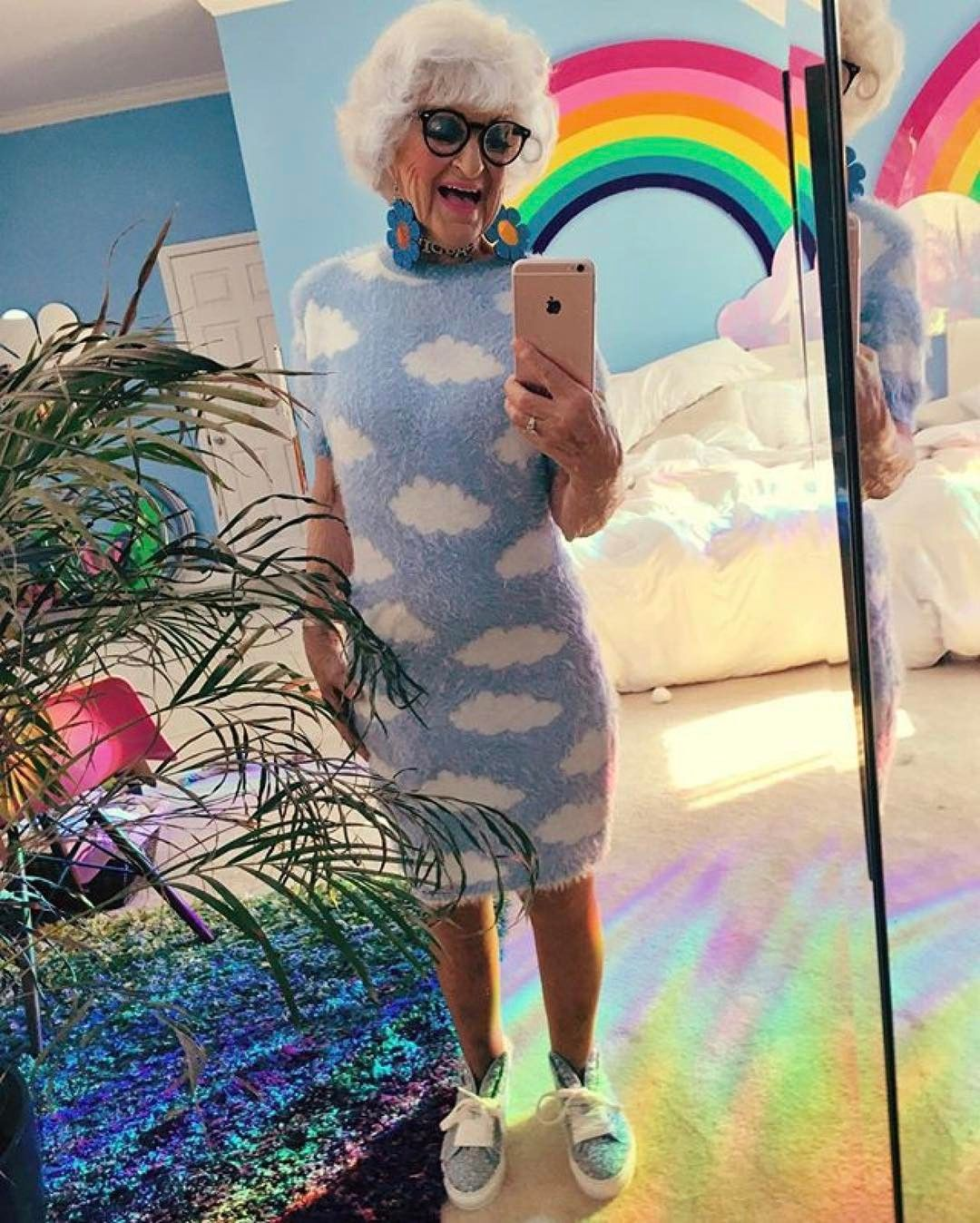 Youre never too old to have fun or dress the way you want. ᔕᕼE ᗩᒪᗯᗩYᔕ GETᔕ IT ᖇIGᕼT. ___________ the baddest gal  #Repost @baddiewinkle  gd morning  #baddiewinkle #badgirl #happyasf #asf