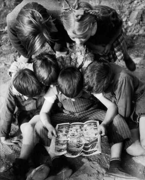 """reading together (Willy Ronis) """"Brothers, sisters, and ..."""