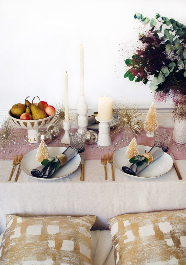 West Elm Christmas Ornaments.A Mid Century Inspired Christmas Table West Elm Food