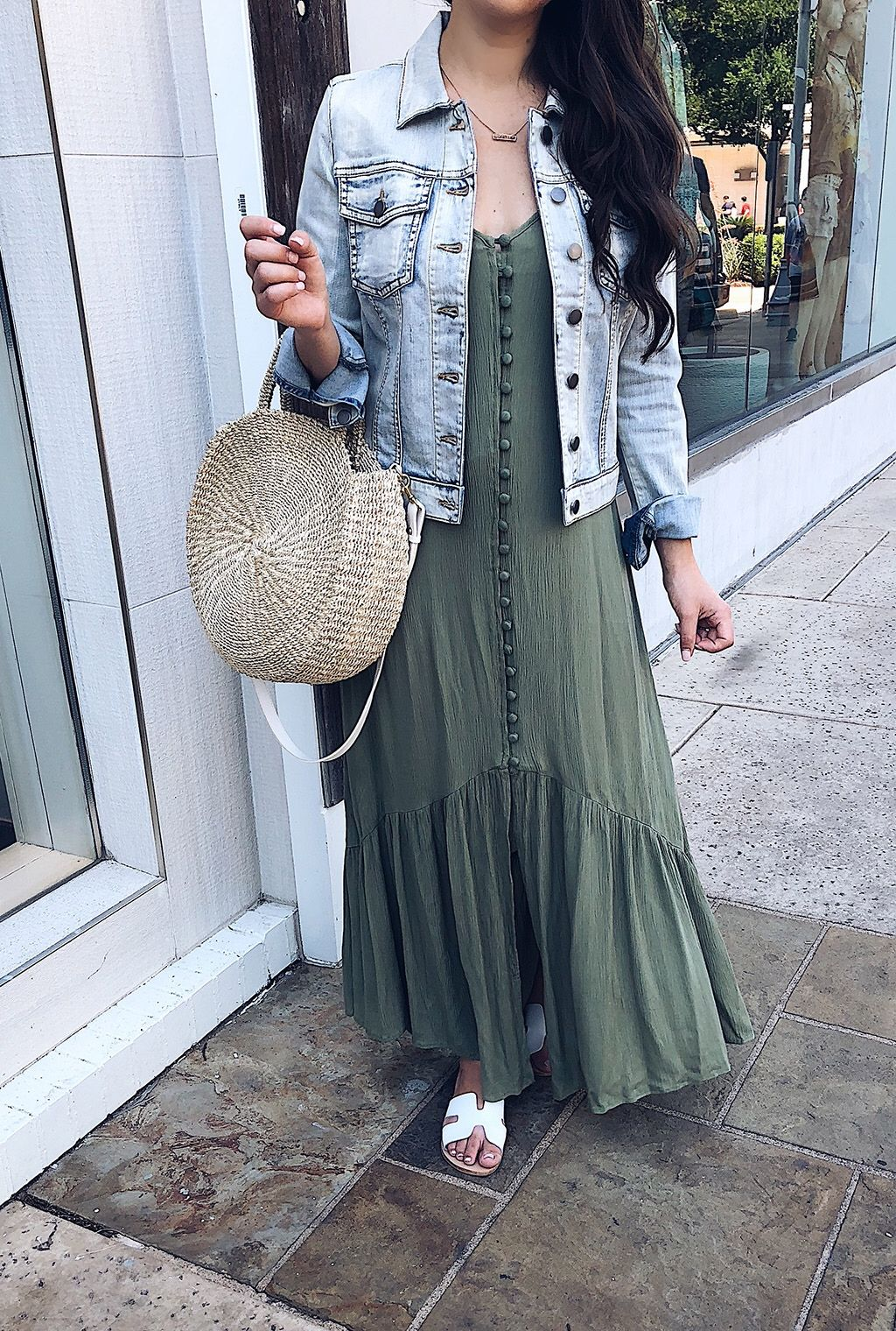 The Perfect Maxi Dress Denim Jacket Sophisticated And Styled Maxi Outfits Style Classy Summer Style