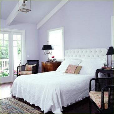 lavender wall paintLAVENDER BEDROOM  TO ACHIEVE A LIGHT  AIRY COTTAGE LIKE