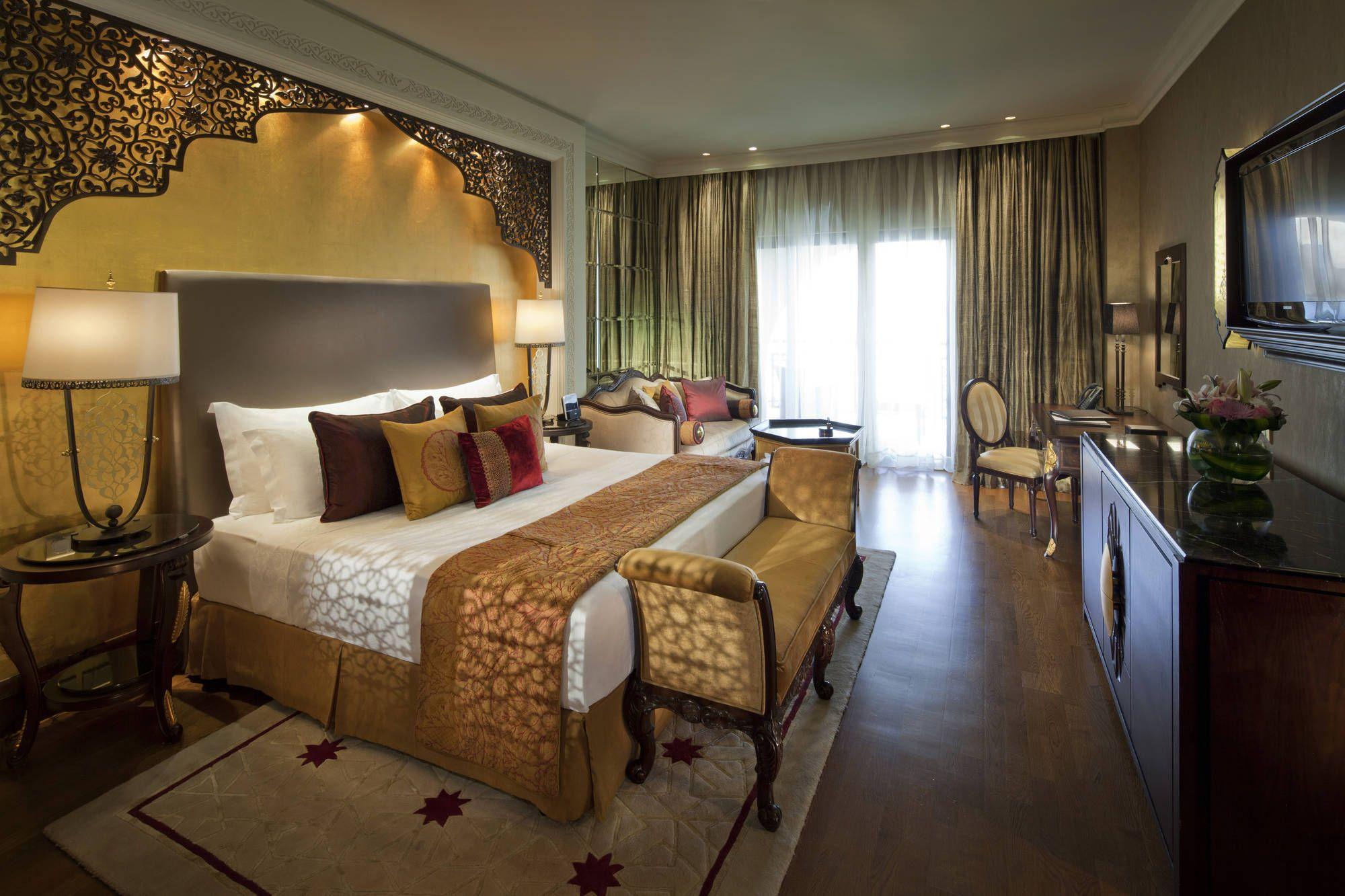 Jumeirah Zabeel Saray, Dubai - Deluxe King Room | Master bedrooms ...