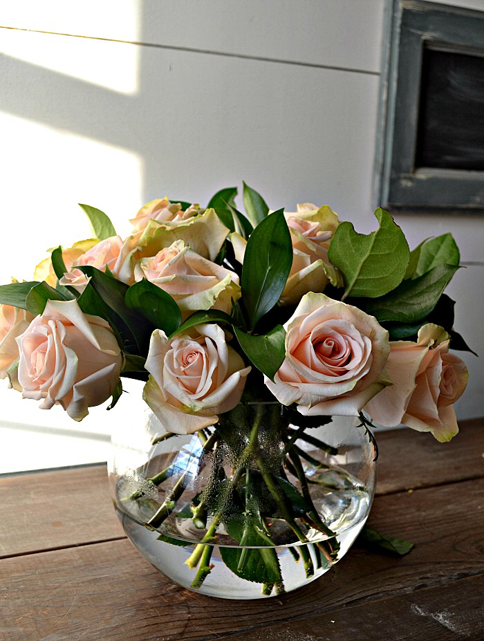 How To Arrange Roses Red Cottage Chronicles Flower Arrangements Simple Rose Flower Arrangements Artificial Flower Arrangements