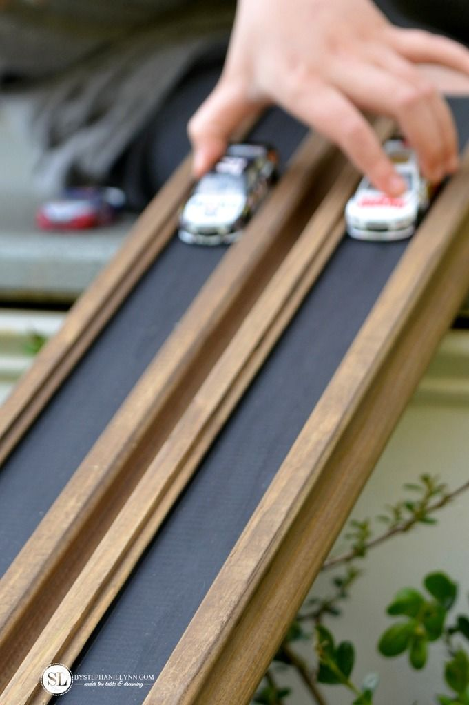 Toy Car Track : Wooden race track ramp