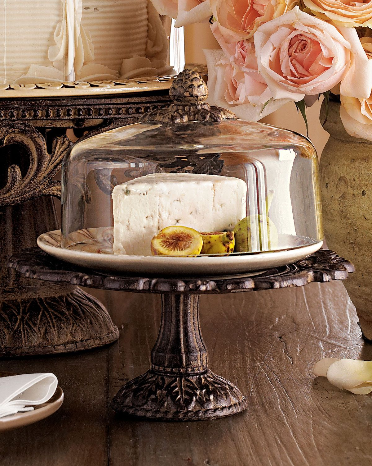 G g collection small cheese dome pedestal cake stand