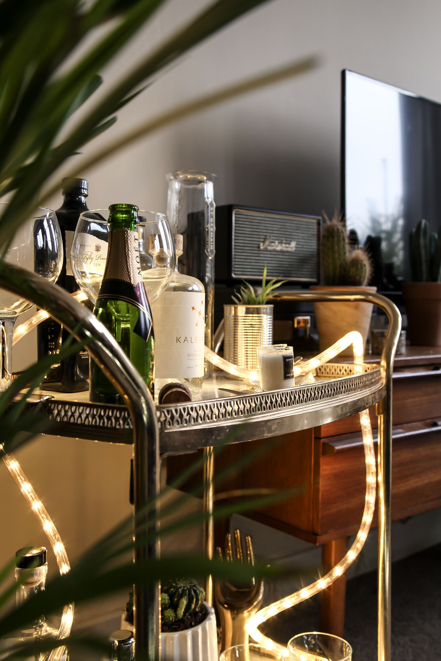 Brighten Up Your Bar Cart With A Strip Of Rope Light Ropelight Fairylights Style Homestyling Homedecor Homedecoridea Led Rope Lights Rope Light Led Rope