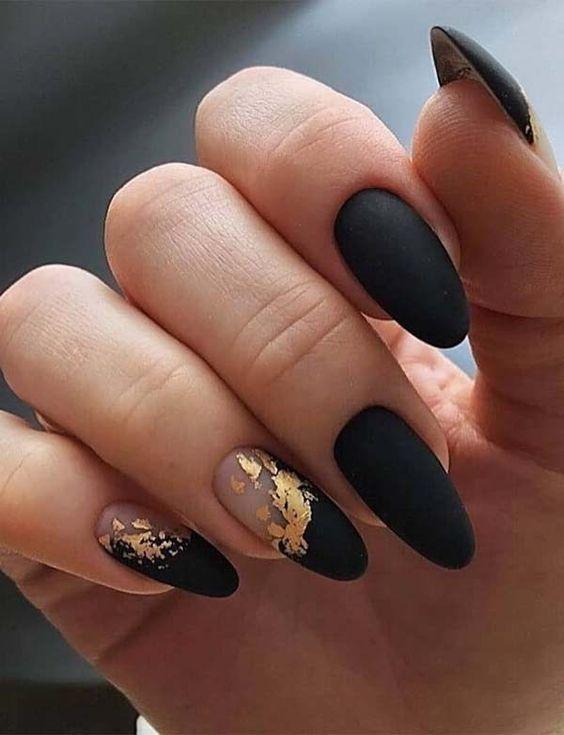 Classy and chic Ideas Black Nail Art Designs - isishweshwe