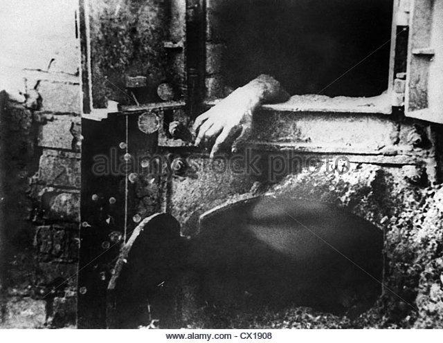 Image result for majdanek concentration camp | Majdanek ... on treblinka concentration camp, arbeitsdorf concentration camp, the holocaust concentration camp, the arriving at concentration camp, black triangle concentration camp, bolzano concentration camp, janowska concentration camp, budzyn concentration camp, riga concentration camp,