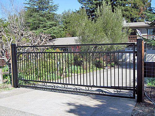 Flat Top Steel Driveway Gates Arbor Fence Inc A Diamond Certified Company Driveway Gate Driveway Gate