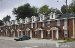 450 00 Per Month Students Welcome Home Rentals Renting A House Find Houses For Rent House Styles