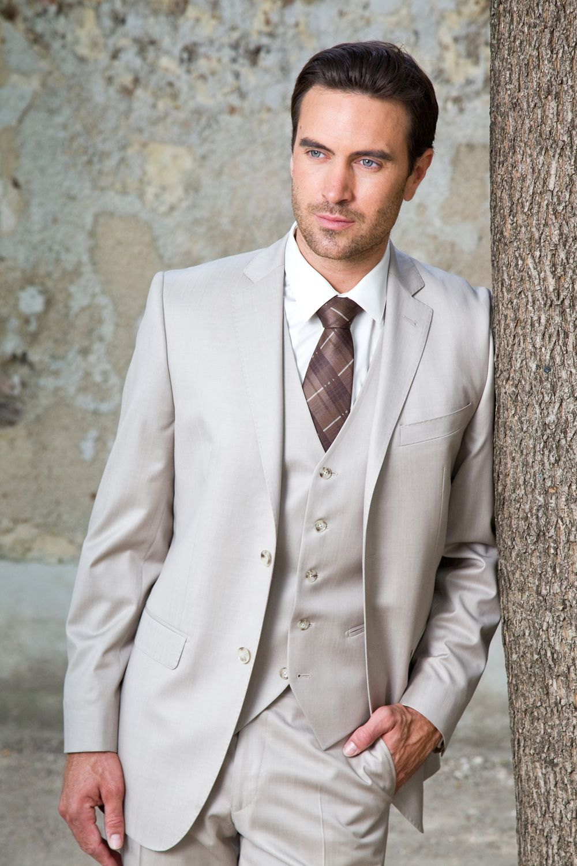 costume ville avec gilet beige clair costume costume mariage costume et costume 3 pi ces. Black Bedroom Furniture Sets. Home Design Ideas