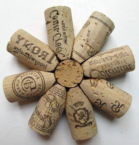 1001 id es que faire avec des bouchons en li ge wine champagne cork diy arte con corcho. Black Bedroom Furniture Sets. Home Design Ideas