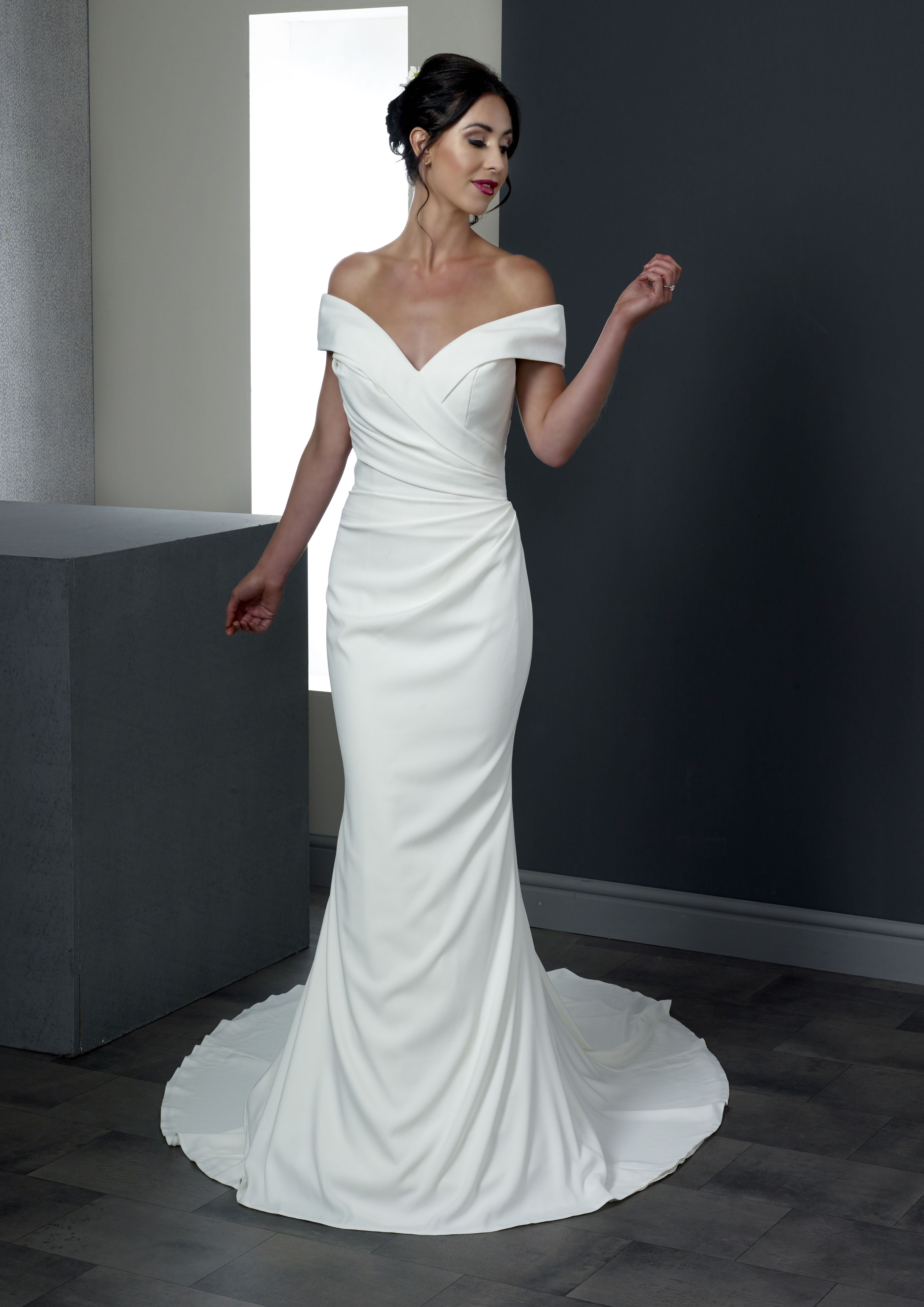 41+ Plain wedding dress with buttons down the back info