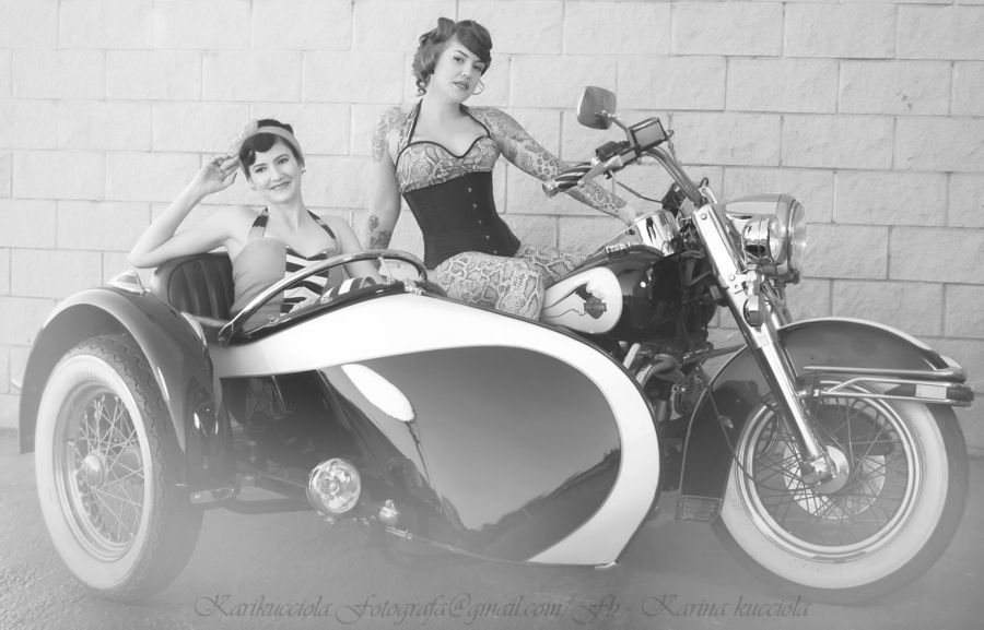 black and white Pin Up's time