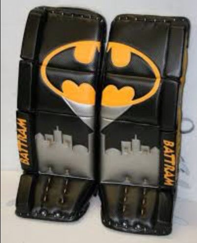 Na Na Na Na Na Na Na Batman Cool Batman Pads I Think This Would Look Sick On Tuka Rask Hockey Goalie Pads Goalie Pads Hockey Pads