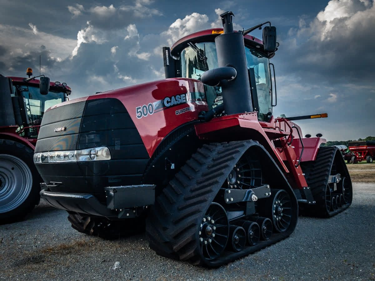 Introduced in 1996, the Steiger Quadtracs have been a staple in the line-up of @caseih equipment. Check out this picture of a Steiger 500 quad we captured in Prophetstown.