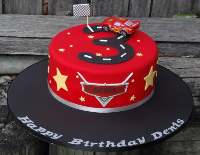 Super Lightening Mcqueen Number Track Cake Jpg 772600 Cars Personalised Birthday Cards Veneteletsinfo
