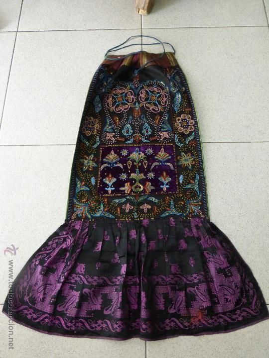 Antiguo mandil de traje charro bordado por las monjas carmelitas  peñaranda-salamanca original s. xix en 2018  04f63d9d861
