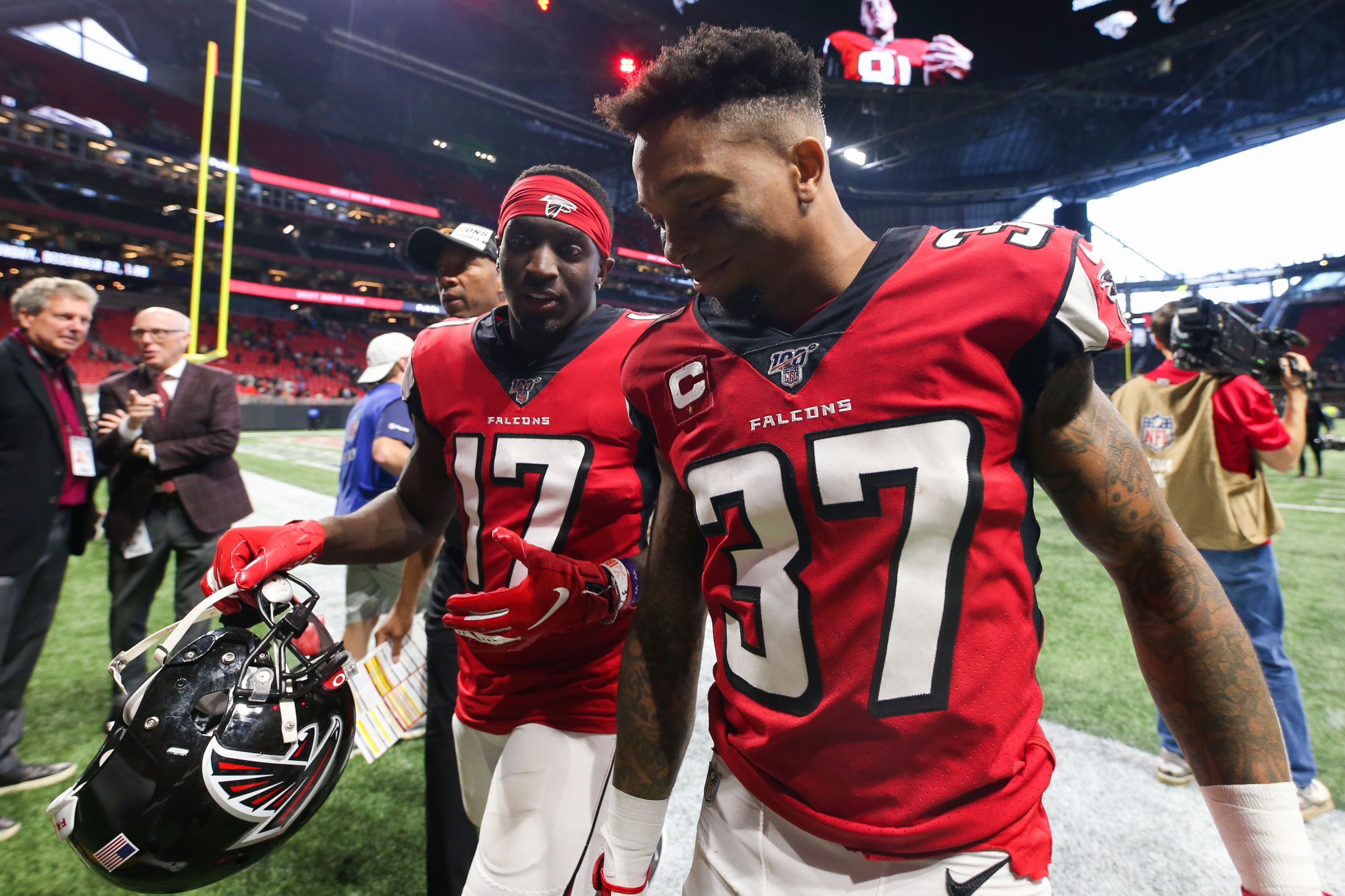 Welcome Atlanta Falcons Receiver Olamide Zaccheaus National Football League News With Images Nfl News Football League National Football League