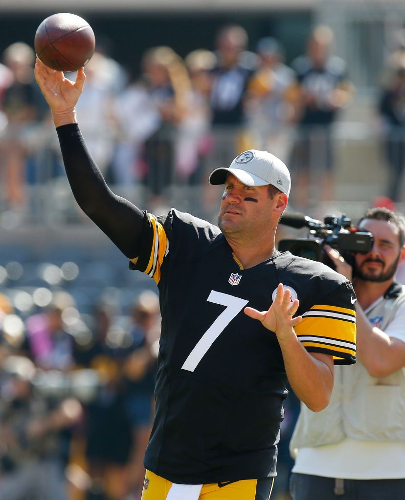 b4ee90b9db6 Ben Roethlisberger of the Pittsburgh Steelers warms up before the ...