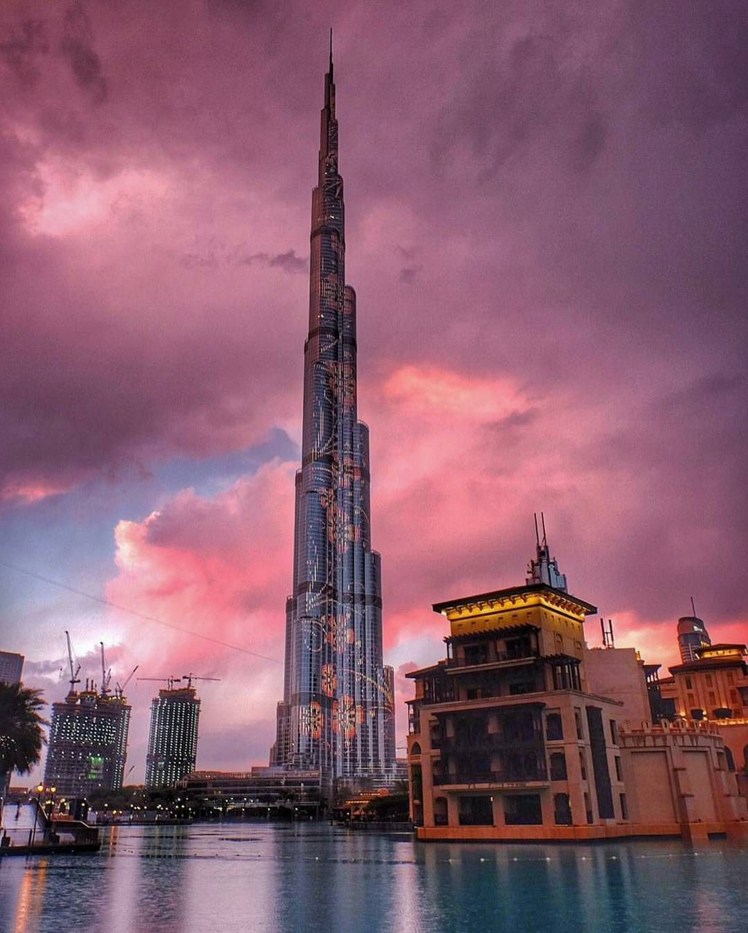 "theworldcamera: ""The beauty of dubai    . .  . . @theworldcamera feature is by @mohammedalmaidoor. . . . .  your photo caught our eyes and we would like to share this beautiful photo with the world  . . .  Thank you for participating with us with the hashtag #theworldcamera . .  For a chance to be featured please tag @theworldcamera and hashtag #theworldcamera    . #instagram #nature #sky #sea #ice #beautiful #earth #unreal #stars  #lightning #instagood  #mountins  #reflection #balloon…"