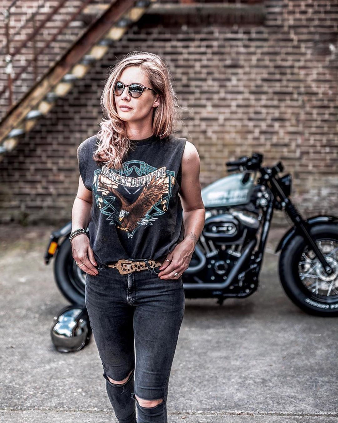 "Chicks on Choppers&Caferacers🔹 on Instagram: ""The Flying D U T C H I E S 🇱🇺🏍💨 Follow @bikerchicksgram for the best bikerchicks on Customs, Cafe racers & Choppers🤘🏻 »…"""